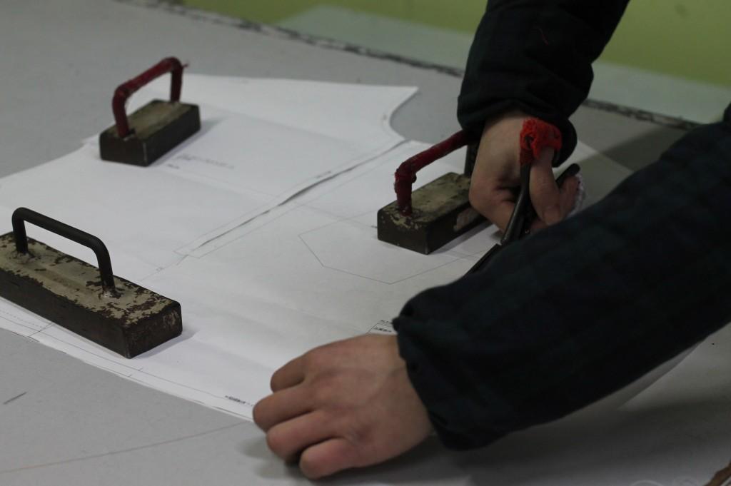 2 r - pattern cutting