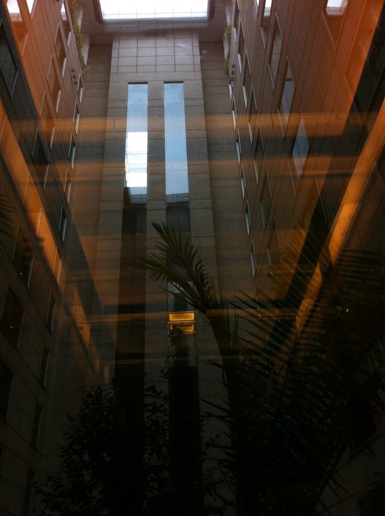7 - hotel lift